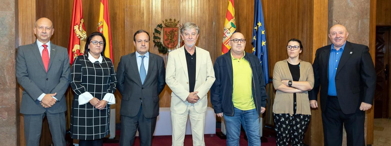 """Firma del manifiesto """"Por la cohesión social: corredor Cantábrico-Mediterráneo, una infraestructura necesaria y justa"""""""